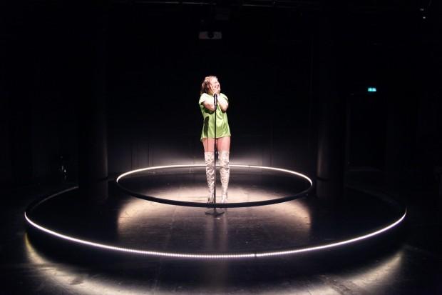 Bild14_#Heldnnen_Theater Bielefeld_Henrike Iglesias_Mascha Mihoa Bischoff_ Kostümdesign_Bühnenbild_Kostümbild (16c) (Kopie)