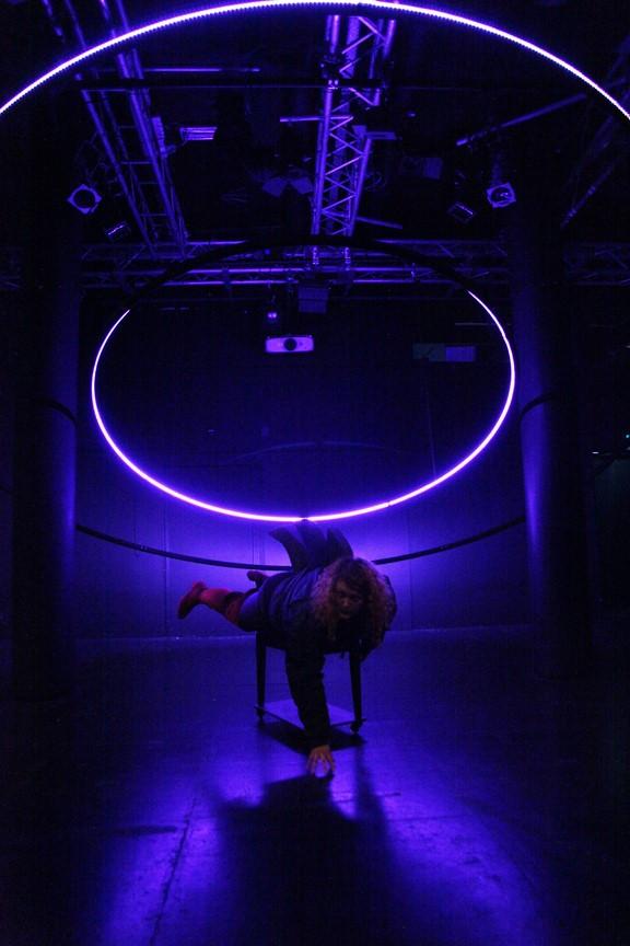 Bild16_#Heldnnen_Theater Bielefeld_Henrike Iglesias_Mascha Mihoa Bischoff_ Kostümdesign_Bühnenbild_Kostümbild (Kopie)