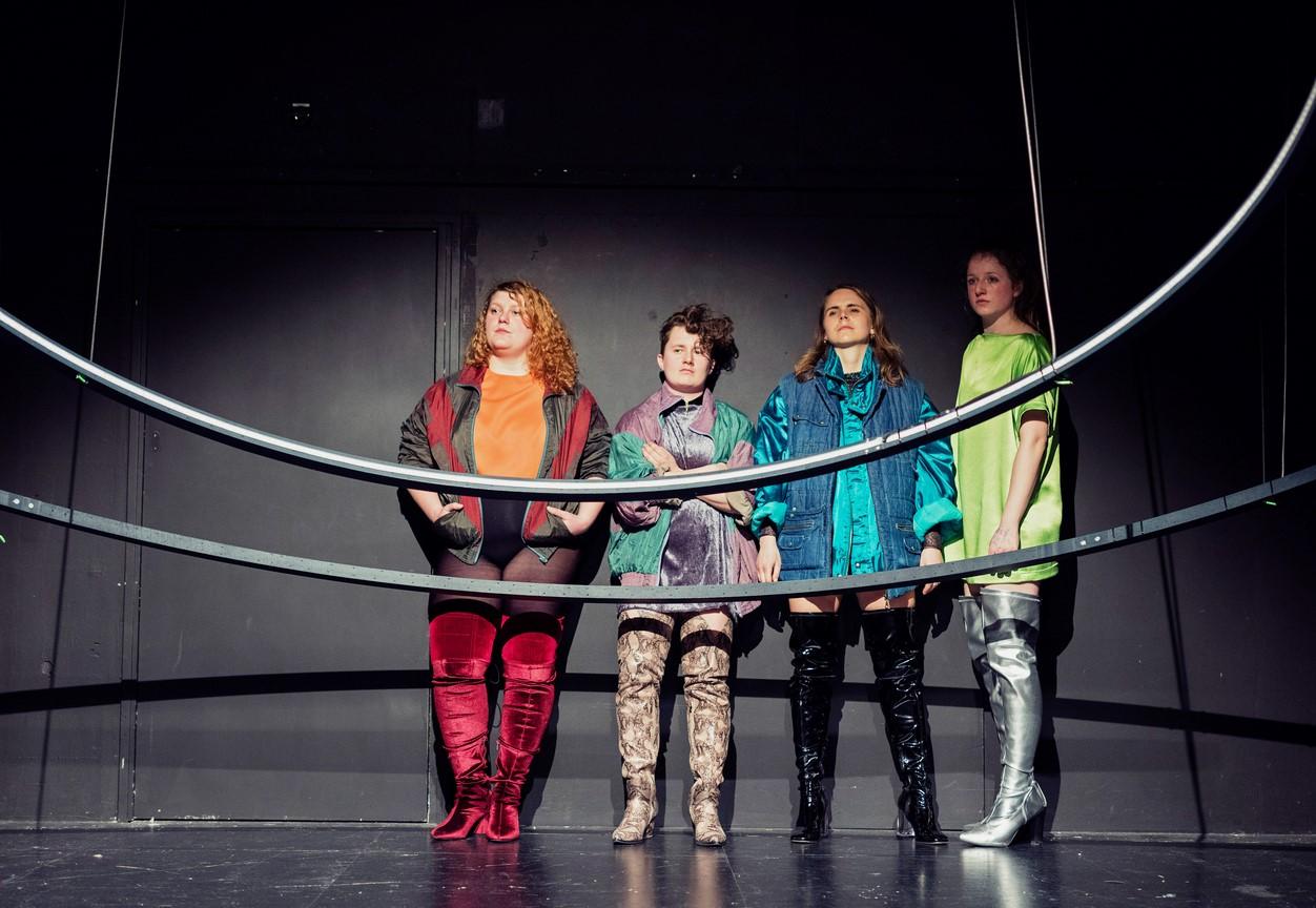 """Inszenierung """"Heldinnen"""",  am Theater Bielefeld, TAMdrei."""