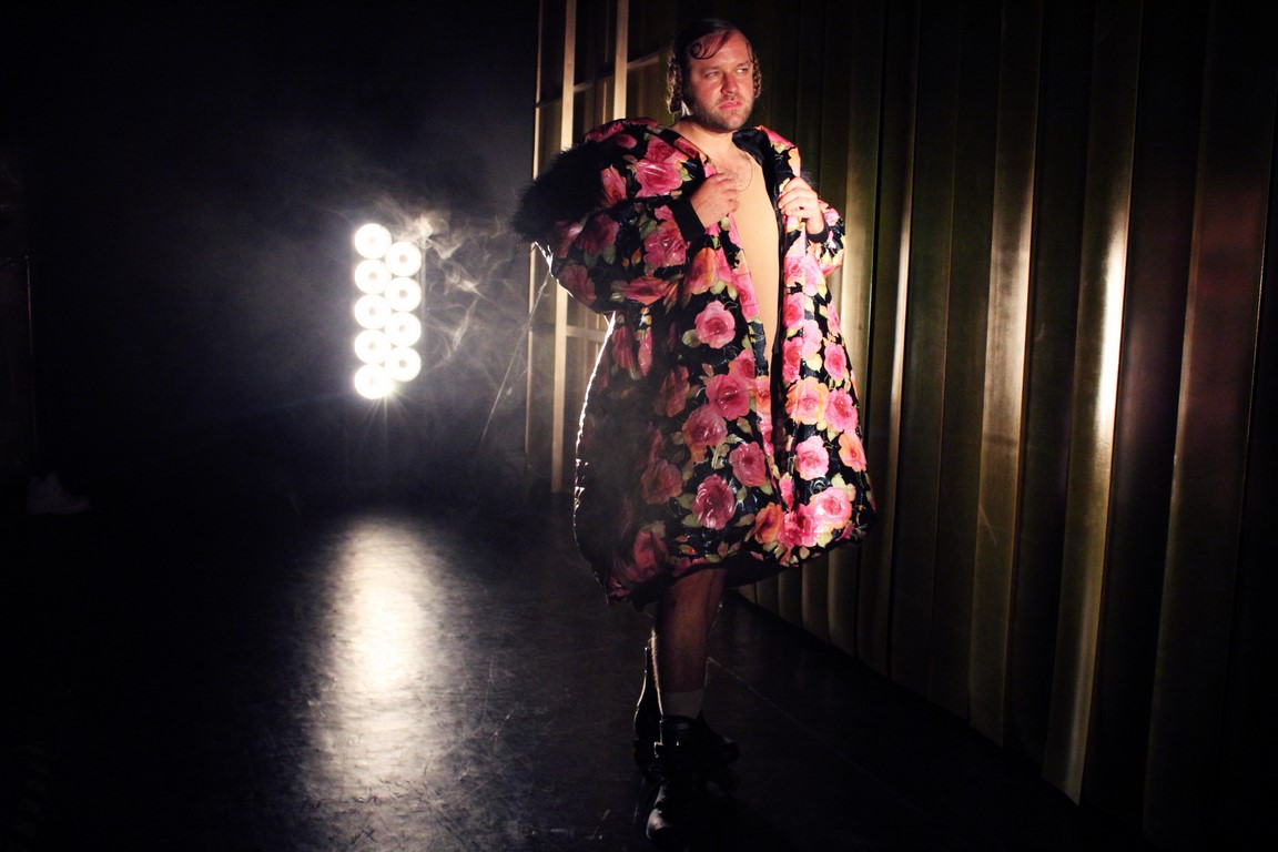 Kostüm_Penthesilea_Regie_Leonie Böhm_Kostümbild_Mascha Mihoa Bischoff_Theater Konstanz._Foto3_Mascha Bischoff (Kopie)