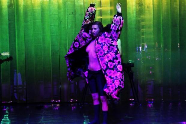 Kostüm_Penthesilea_Regie_Leonie Böhm_Kostümbild_Mascha Mihoa Bischoff_Theater Konstanz._Foto5_Mascha Bischoff (Kopie)