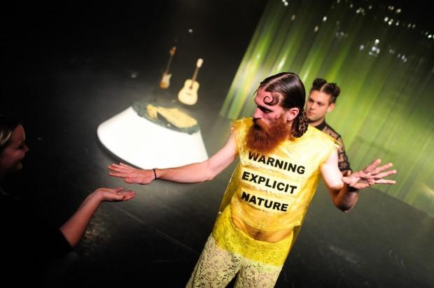 Kostüm_Penthesilea_Regie_Leonie Böhm_Kostümbild_Mascha Mihoa Bischoff_Theater Konstanz._Foto_Bjoern Jansen (1) (Kopie)