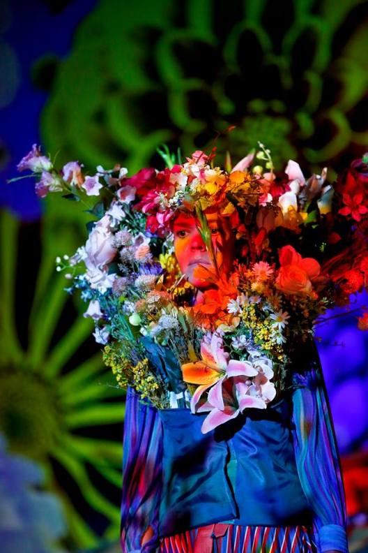 Schauspielhaus Bochum_Alle Jahre wieder_Regie Hannah Biedermann_Bühnenbild Mascha Mihoa Bischoff_Kostümbild Mascha Mihoa Bischoff_Foto Birgit Hupfeld(1)