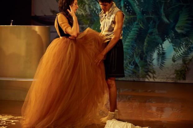 Münchner Kammerspiele_Yung Faust_Regie Leonie Böhm_Kostüme Mascha Mihoa Bischoff_Foto Julian Baumann (11)