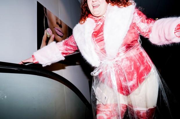 Fressen_Regie Henrike Iglesias_Kostüm Mascha Mihoa Bischoff_Münchner Kammerspiele_Foto Nicole Wytycak (1)