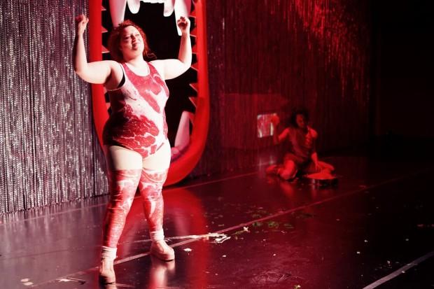 Fressen_Regie Henrike Iglesias_Kostüm Mascha Mihoa Bischoff_Münchner Kammerspiele_Foto Nicole Wytycak (15)